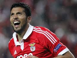 Record: Manchester United scouts watch Ezequiel Garay again