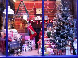Christmas Decorations For Retail Shop by 141 Best Vitrin Images On Pinterest Windows Retail Displays And