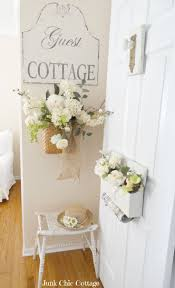 Shabby Cottage Home Decor by Best 20 Junk Chic Cottage Ideas On Pinterest White Wreath
