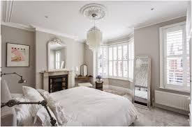 idee chambre parent bedroom complete farrow cornforth white walls tapet cafe