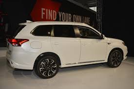 outlander mitsubishi 2018 2018 mitsubishi outlander phev goes on sale in the u s 5 years