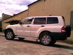 mitsubishi pajero 2004 krishan 2004 mitsubishi pajero specs photos modification info at