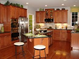 Maple Kitchen Cabinets And Wall Color Maple Cognac Kitchen Cabinets Edgarpoe Net