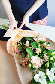 how to wrap flowers bouquet styling paper studio