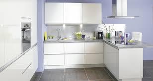cuisine moderne blanc cuisine conforama soho blanc association murs mauves façades
