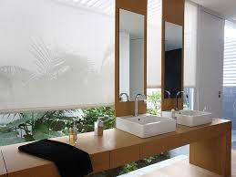 badezimmer rollos sichtschutz im bad plissees und rollos für badezimmer