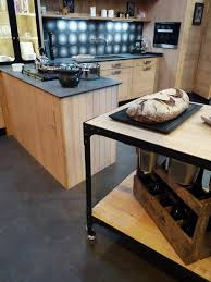 plan de travail cuisine chene massif atelier culinaire cuisine chêne massif clair desserte plan de