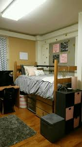 Pink And Gold Bedroom by Best 25 Pink Dorm Rooms Ideas Only On Pinterest College Dorm
