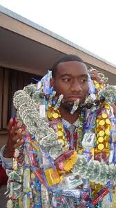 Graduation Leis How To Create A Money Lei 6 Steps With Pictures