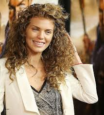 40 year old women s hairstyles curly hairstyles new curly hairstyles for 40 year old woman