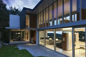 Contemporary Modern Residential House Design With Wide Glass