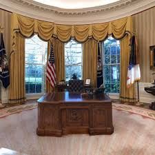Trump Oval Office Rug See The Changes Donald Trump Made To The Oval Office Aol Lifestyle