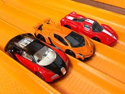 bugatti veyron vs lamborghini veneno bugatti veyron vs fxx vs lamborghini veneno race top