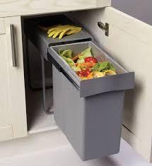 castorama accessoires cuisine chambre poubelle sous évier coulissante poubelle coulissante sous