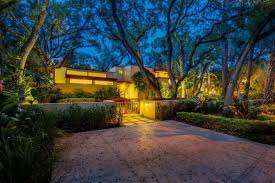 frank lloyd wright inspired home with lush landscaping frank lloyd wright inspired home in boca for 1 3m curbed miami