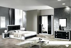 chambre a coucher noir et blanc chambre laque noir glorino chambre a coucher complete coloris noir