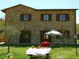 Italy Houses Accommodation Castel Rigone Italy 12 Apartments 7 Villas