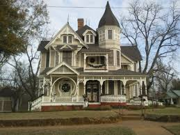 victorian style mansions my photo of a victorian style house in crockett texas i saw today