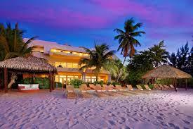 cayman villas u0026 luxury villa rentals wheretostay