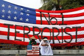 Barack Obama Flag Protests Erupt As Barack Obama Signs Philippines Military Deal