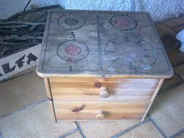 fabriquer une cuisine en bois pour enfant fabrication d une cuisine pour enfant minigribouilli