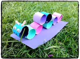 bricolage noel avec rouleau papier toilette fabriquer une chenille en rouleaux de papier toilette dessin et