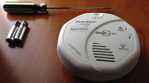 carbon monoxide detector flashing green light how to change the battery on a first alert onelink smoke alarm youtube