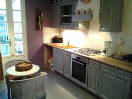 cuisine rustique repeinte en gris cuisine repeinte en gris collection avec repeindre bois photos de
