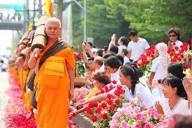 mariage thailande images gratuites gens fleur marche orange bouddhisme