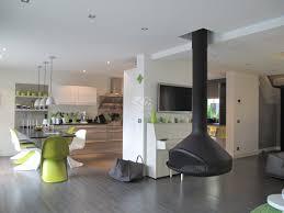 cuisine ouverte sur s駛our 92 maison d architecte façade métal et bois avec cour et jardin