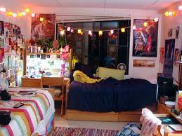 Creative College Apartment Decor Ideas  Apartment Geeks - College bedroom ideas