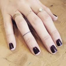 finger tattoo swelling 41 best lip tattoos images on pinterest time tattoos design