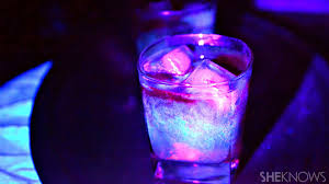 get spooky with this amazing glow in the dark cocktail