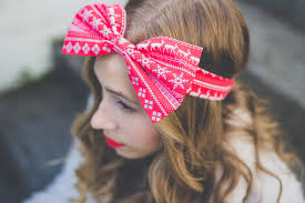 christmas hair accessories 5 christmas hair accessories that don t stylecaster