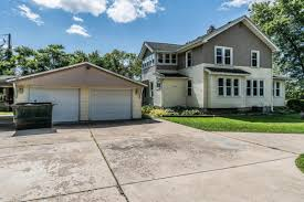 In Law Suite Homes Delavan Wi Homes Under 200 000 For Sale Realty Solutions Group