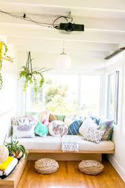 Sunroom Furniture Ideas by Best 25 Small Sunroom Ideas On Pinterest Sunroom Office