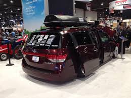 1000hp minivan instead if that hp number is actually accurate watch this 1029 hp honda odyssey do burnouts