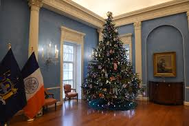gracie mansion u0027s holiday update materials for the arts