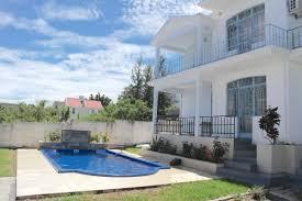 location appartement 3 chambres flic en flac location appartement 3 chambres avec piscine 18 000 rs