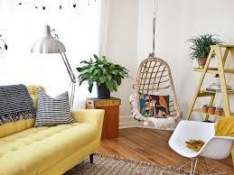 canap jaune quelle déco pour un salon avec un canapé jaune