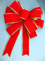 see how to make a gift bow out of ribbon pro bow the