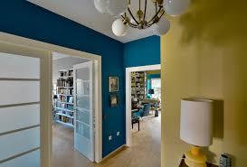 Interieur Mit Rustikalen Akzenten Loft Design Bilder Tiergarten Bauhaus Wohnung Farbkonzept Flur Preußisch Blau Und