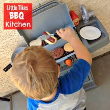 Little Tikes Childrens Kitchen by Why Toddlers Love Little Tikes Bbq Kitchen