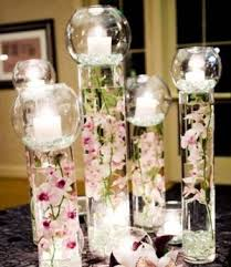 d i y wedding centerpiece glass vases filled with water and