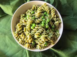 pasta pesto and peas oliepants