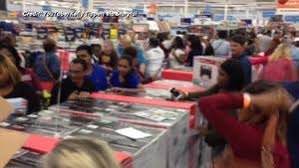 nike factory store black friday oh no shoppers demolish nike store in black friday craze abc13 com