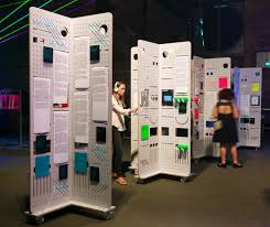 ideas for displaying pictures on walls best 25 exhibition display ideas on pinterest exhibition ideas