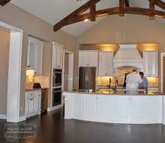 tour it thursday classic texas house with wood beams curved