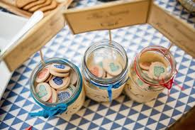 wedding favors unique and awesome diy wedding favor ideas and tutorials