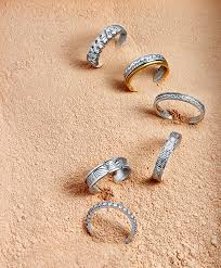 sk jewellery wedding band grooms 4 ways to find out what engagement ring is